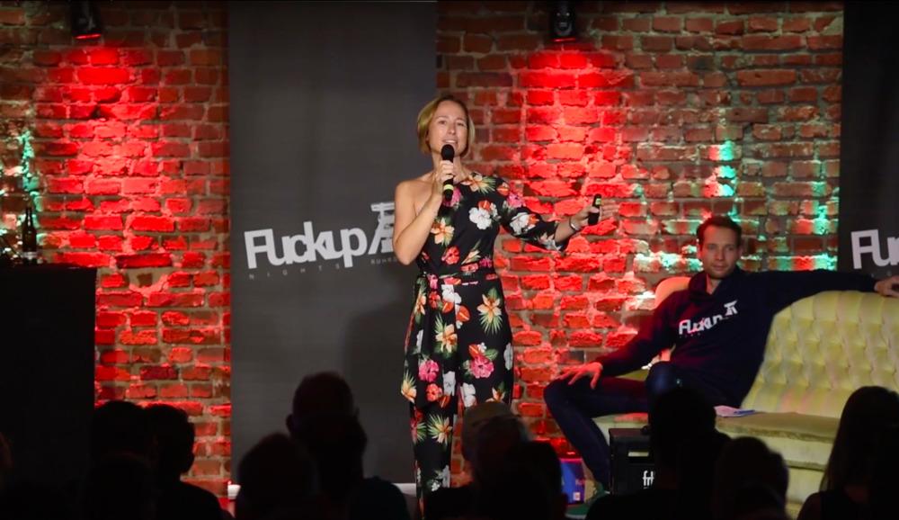 Auftritt von Simone Kriebs bei der FuckUp Night Bochum